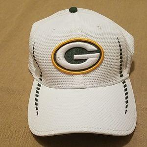NWOT Green Bay Packers New Era cap